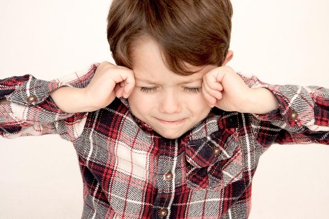 チック症で悩んでいる子ども