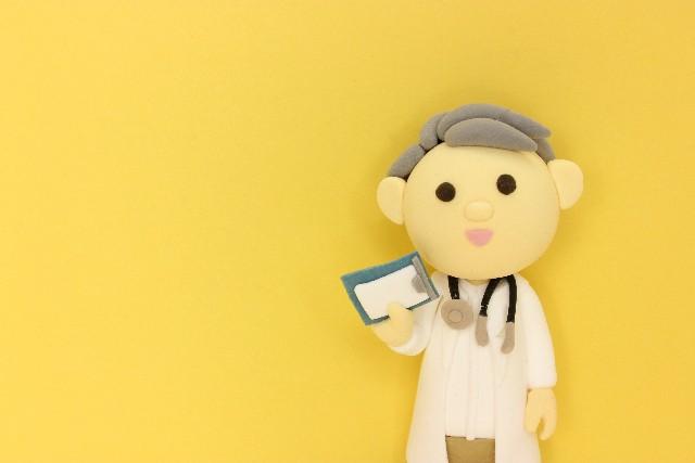 医者の人形