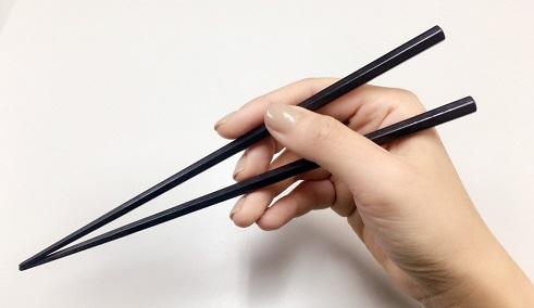 正しいお箸の持ち方