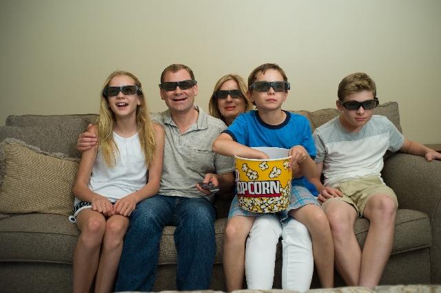 家族で映画鑑賞
