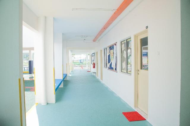幼稚園廊下